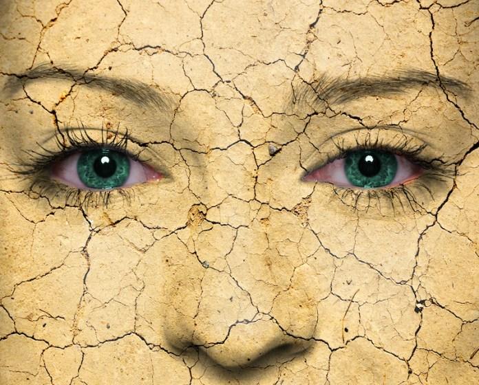 cliomakeup-importanza-skincare-2-base-makeup