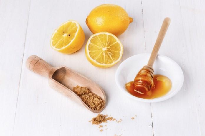 cliomakeup-scrub-labbra-fai-da-te-7-scrub-miele-zucchero-olio