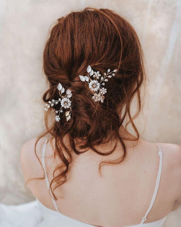 cliomakeup-acconciature sposa capelli lunghi-8-raccolto-spettinato-accessori