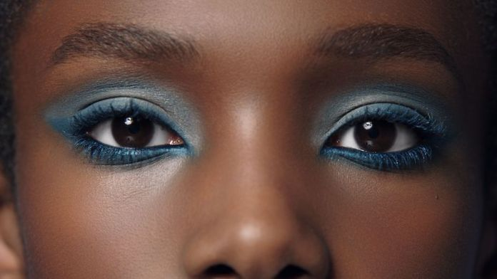 cliomakeup-makeup-abbronzatura-12-smokey-eyes-blu