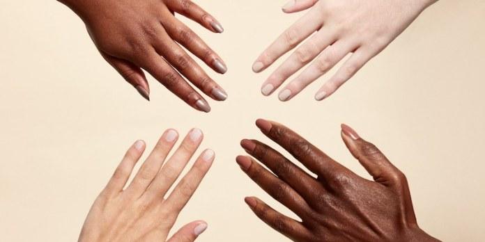 cliomakeup-smalto-al-mare-10-manicure-nude-tono-pelle