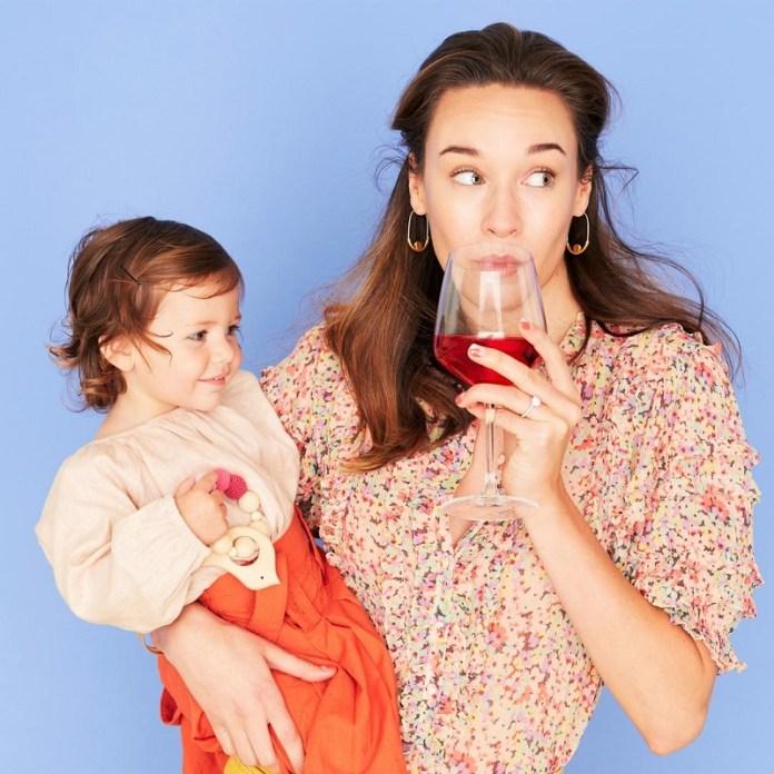 cliomakeup-alimentazione-in-allattamento-18-mother-drink-alchool