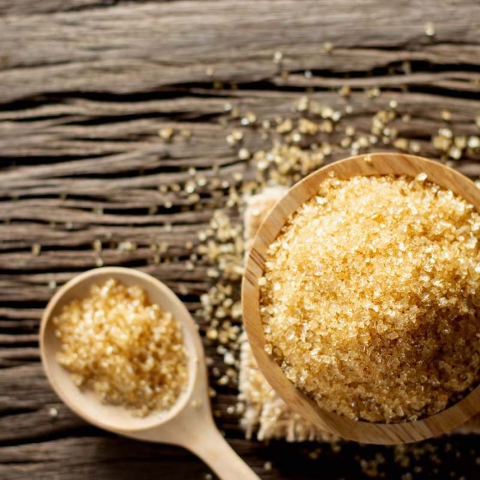 cliomakeup-come-far-crescere-sopracciglia-3-zucchero-olio
