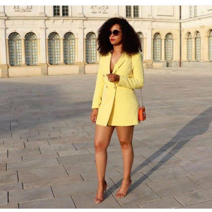 ClioMakeUp-look-blazer-19-mini-dress.jpg