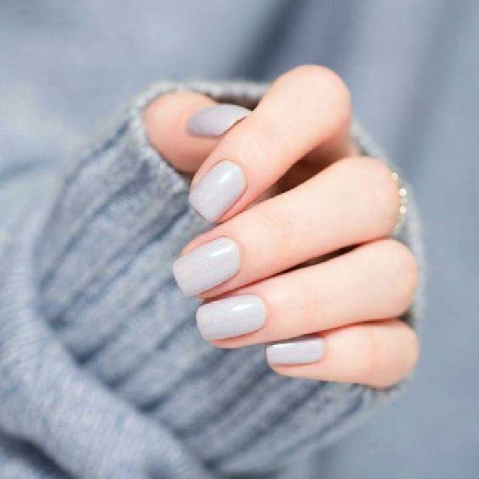 Cliomakeup-alpaca-grey-unghie-7-grigio-chiaro