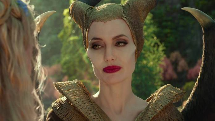 cliomakeup-copiare-look-angelina-jolie-1-maleficent