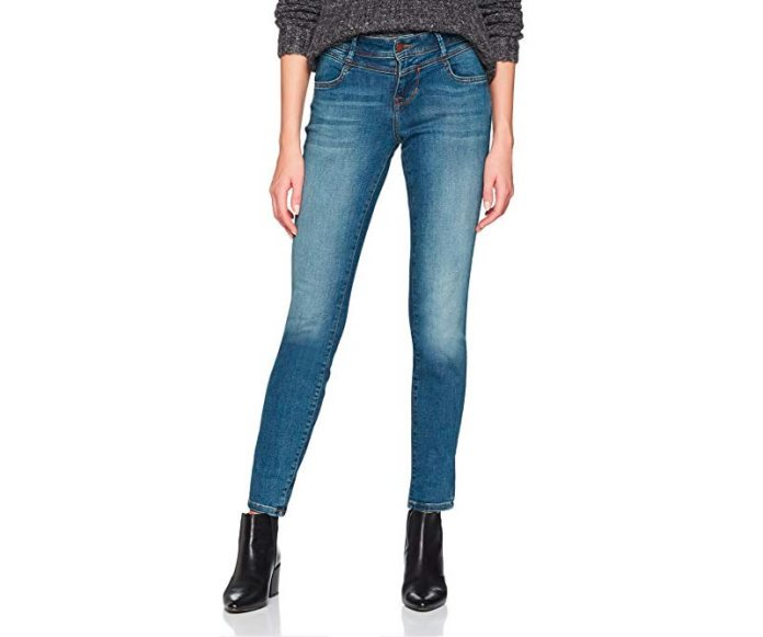 cliomakeup-jeans-donna-autunno-2019-10-mustang-sigaretta