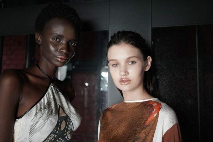 cliomakeup-trend-beauty-primavera-estate-2020-5-rossetto-gold