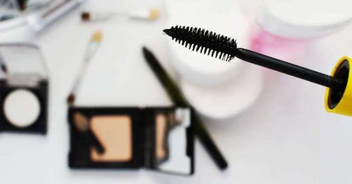 cliomakeup-come-pulire-scovolino-mascara-1-copertina