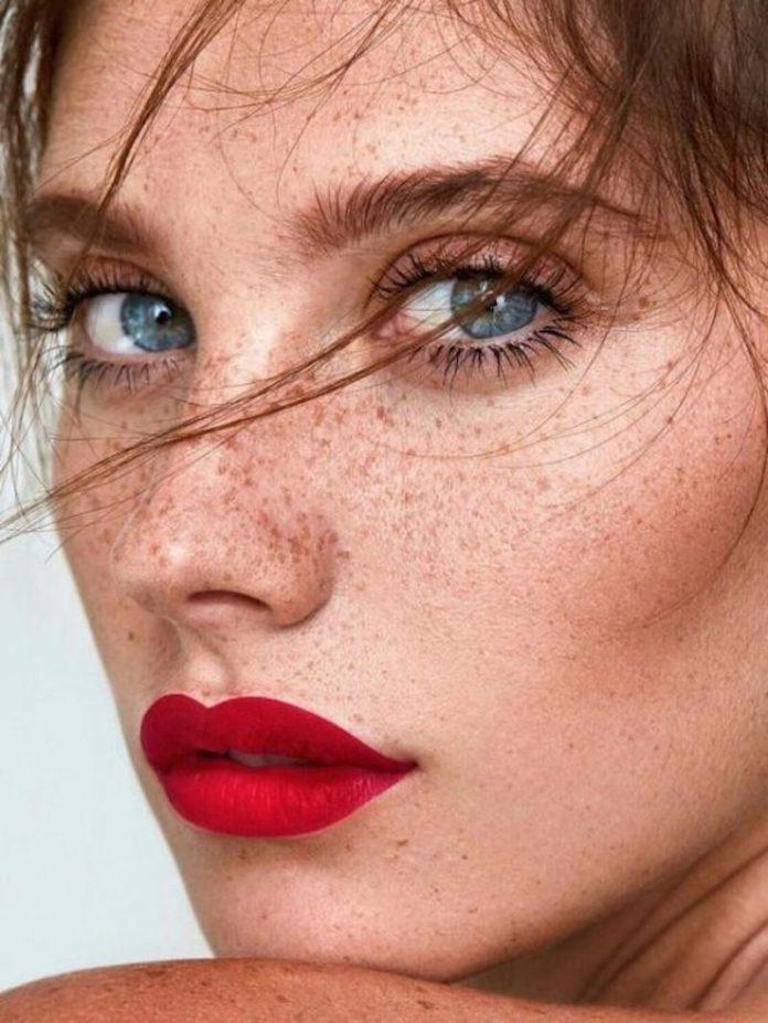 cliomakeup-makeup-semplici-autunno-9-rossetto-rosso-tendenze