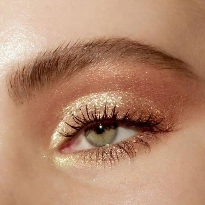 cliomakeup-prodotti-beauty-segno-zodiacale-1-ombretto-shimmer