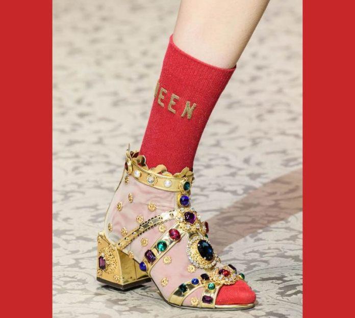 cliomakeup-sandali-gioiello-20-calzini-rossi