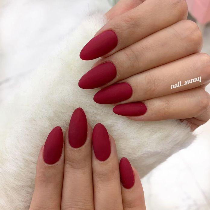 Cliomakeup-unghie-natalizie-5-rosso-opaco