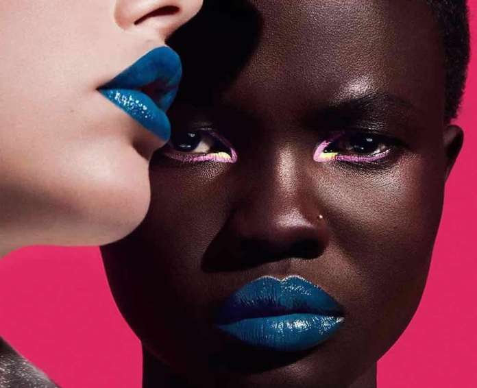 cliomakeup-makeup-pantone-2020-classic-blue-2-trucco-pelle-scura