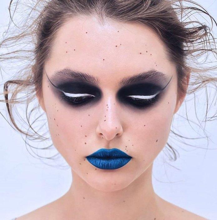 cliomakeup-makeup-pantone-2020-classic-blue-6-rossetto
