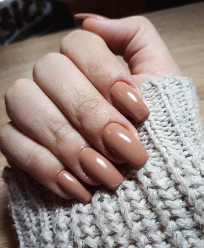 Cliomakeup-unghie-caramel-latte-11-nail_art_obsession__