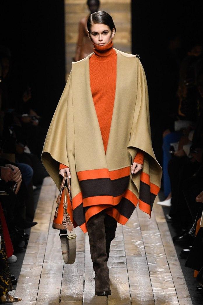 cliomakeup-pantone-colori-autunno-inverno-2020-2021-19-arancione-michaelkors