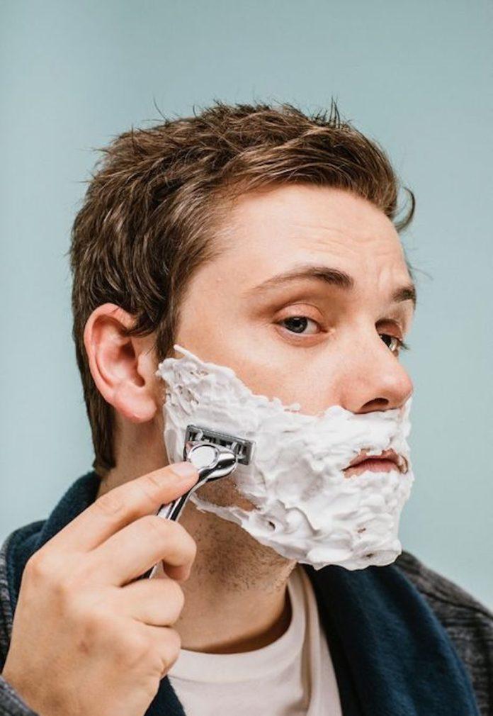 cliomakeup-beauty-routine-uomo-19-rasatura