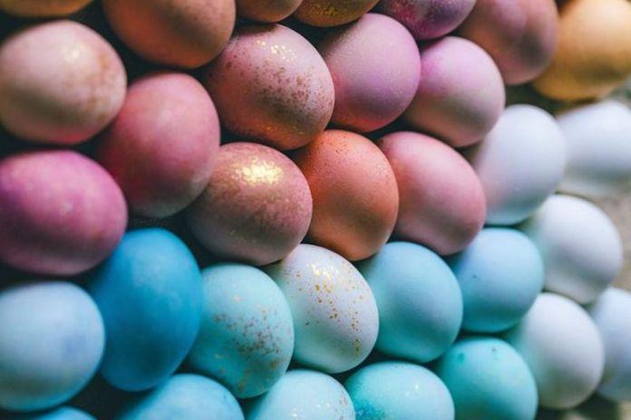 cliomakeup-come-decorare-uova-pasqua-bambini-2-colore