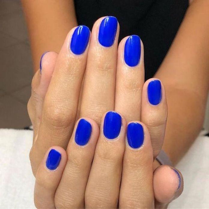 cliomakeup-smalti-unghie-primavera-2020-7-classic-blue