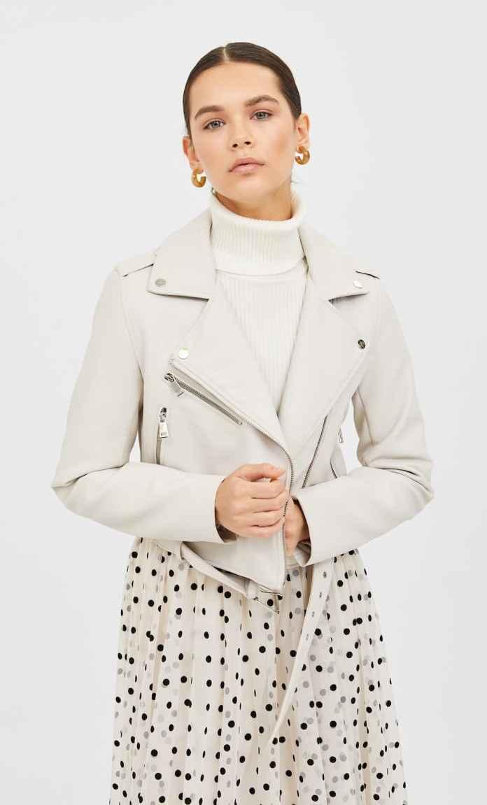 Cliomakeup-giacche-di-pelle-primavera-2020-5-biker-bianco-stradivarius