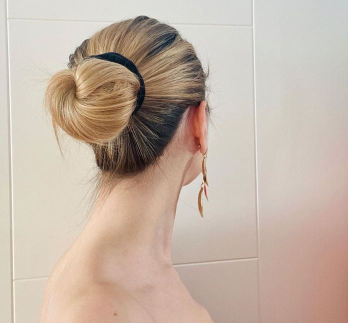 cliomakeup-acconciature-capelli-lunghi-2020-19-raccolto