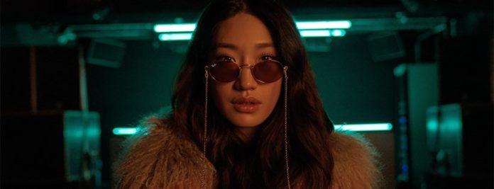 cliomakeup-occhiali-sole-tendenze-2020-18-rayban