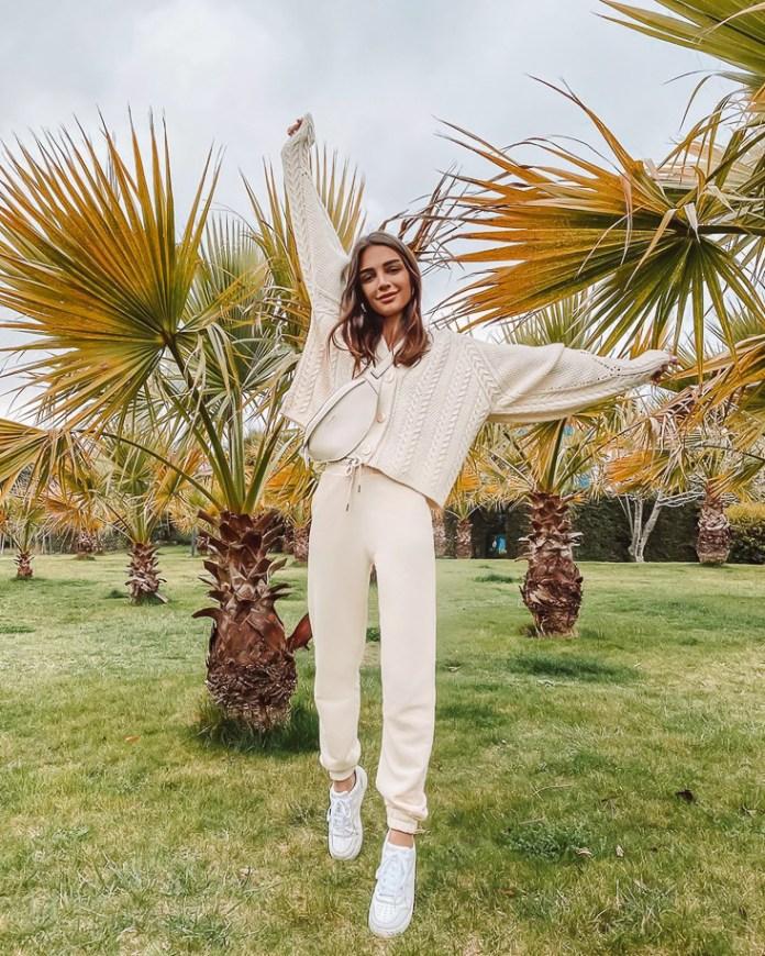 Cliomakeup-pantaloni-bianchi-2020-5-stradivarius-pantaloni-aderenti