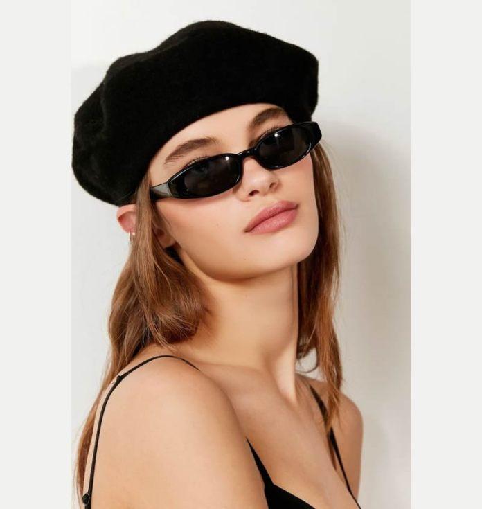 cliomakeup-occhiali-sole-mascherina-14-modella