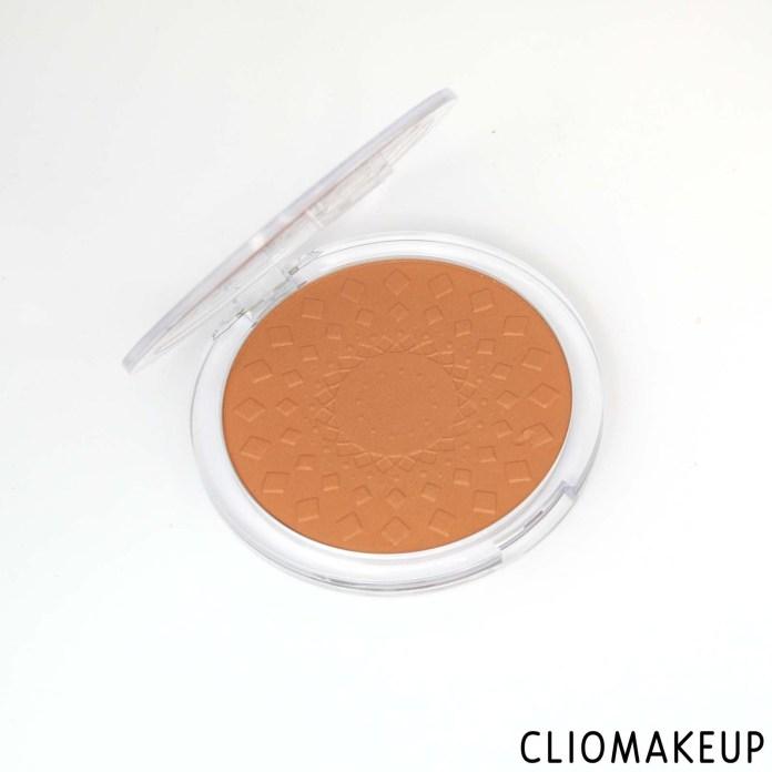 cliomakeup-recensione-bronzer-essence-sun-club-luminous-bronzing-powder-3