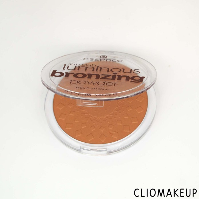 cliomakeup-recensione-bronzer-essence-sun-club-luminous-bronzing-powder-4