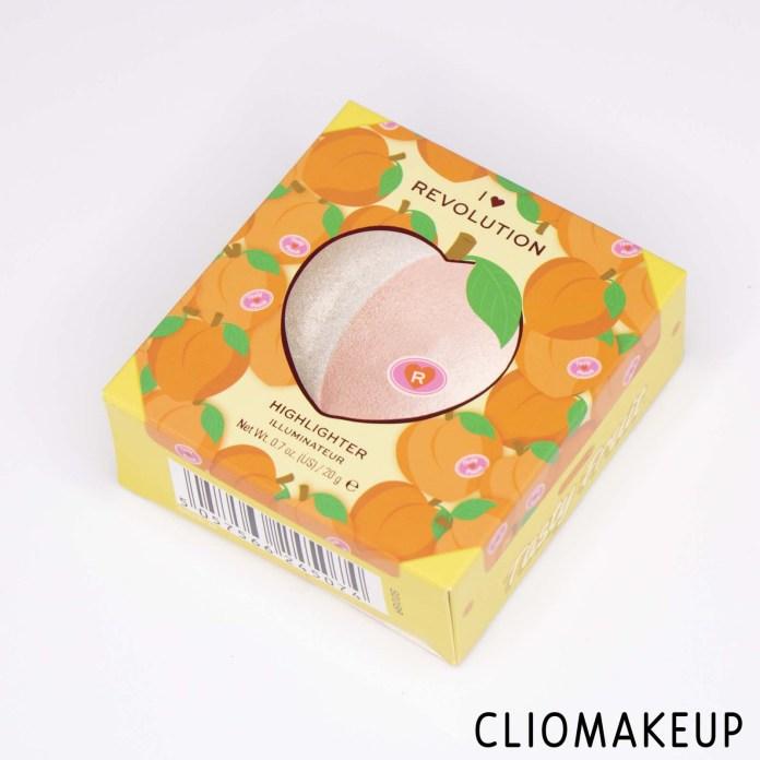cliomakeup-recensione-illuminante-i-love-revolution-tasty-fruit-highlighter-2