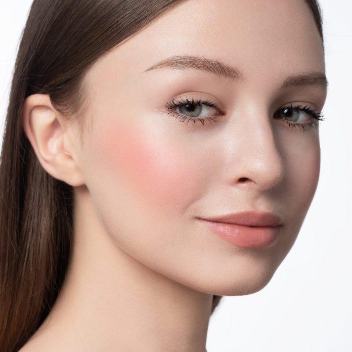 Cliomakeup-blush-in-polvere-99-angel-6-pelle-chiara