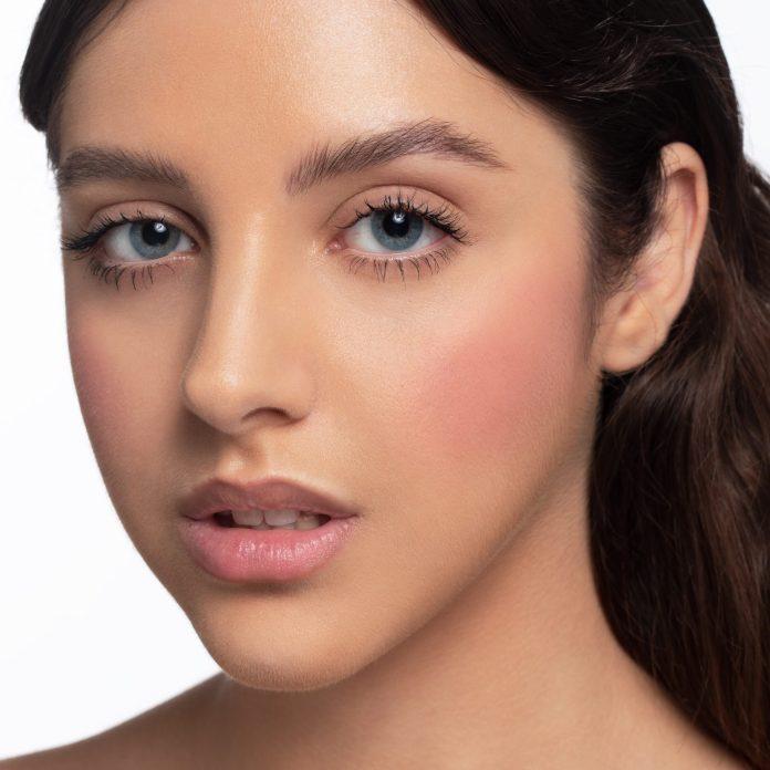 Cliomakeup-blush-in-polvere-retro-pink-7-pelle-media
