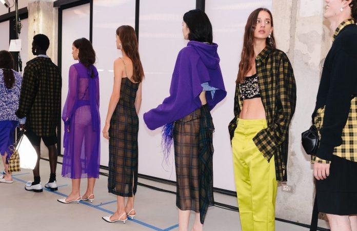 cliomakeup-Tendenze-Milano-Moda-Donna-primavera-estate-2021-8-n21