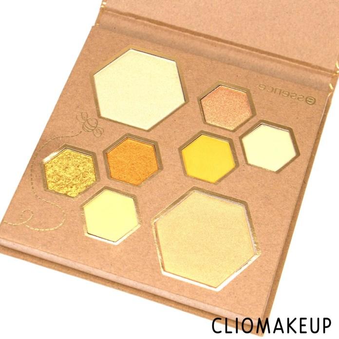 cliomakeup-recensione-Palette-Essence-Wanna-Bee-My-Honey-eyeshadow-e-highlighter-palette-5