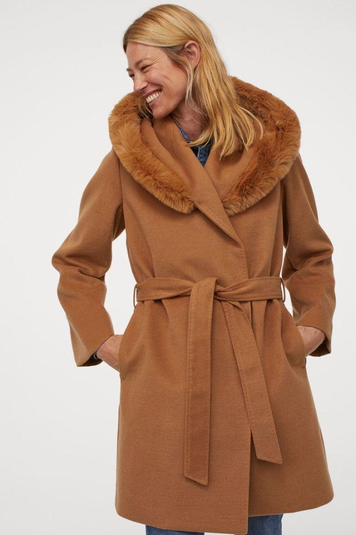 Cliomakeup-cappotto-cammello-autunno-inverno-2020-2021-12-hm-Cappotto-con-cappuccio