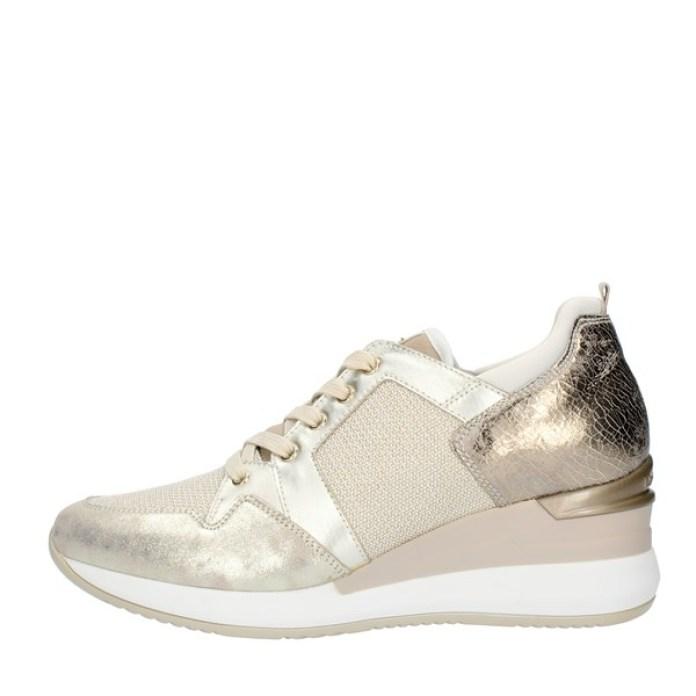 Cliomakeup-scarpe-casual-saldi-invernali-2021-8-nero-giardini-sneakers-oro