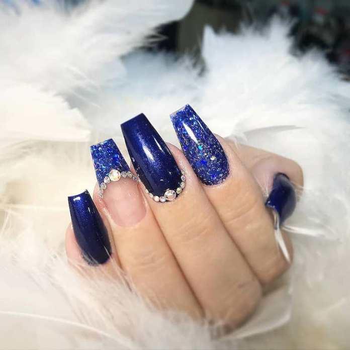 cliomakeup-unghie-blu-on-ice-teamclio-1