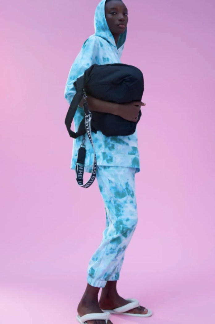 Cliomakeup-pantaloni-jogger-inverno-2021-12-zara-tie-dye-blu
