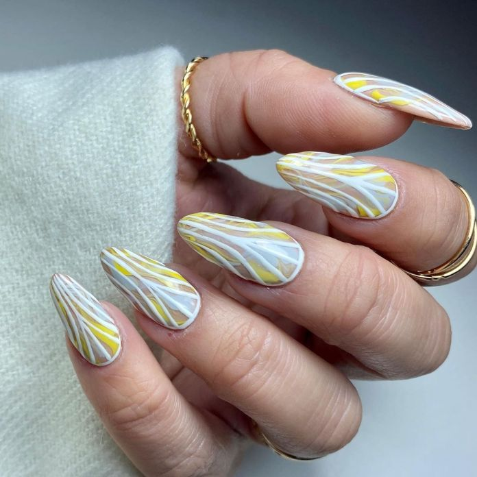 cliomakeup-nail-art-pantone-2021-4-striature