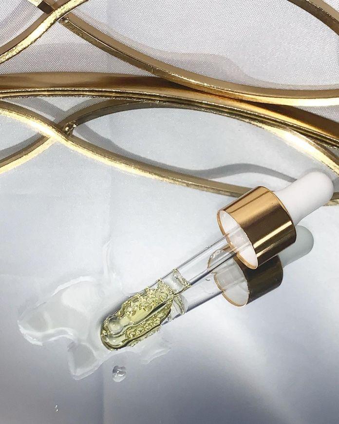 cliomakeup-olio-viso-2-pipetta