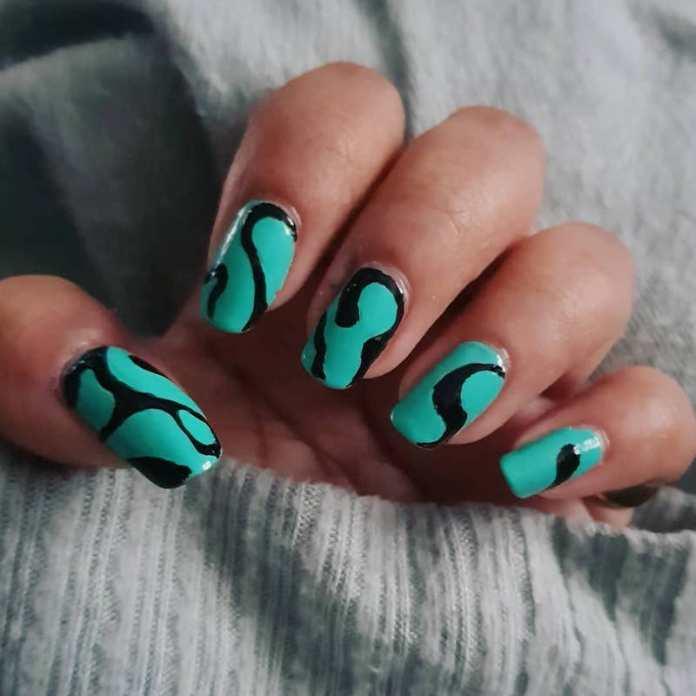 cliomakeup-swirl-nails-teamclio-15