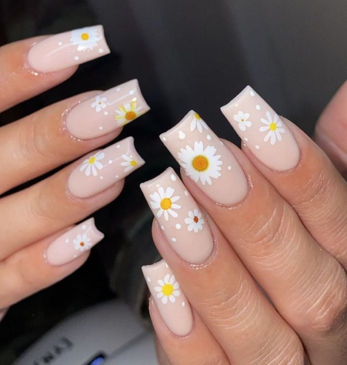 cliomakeup-flower-nails-2021-teamclio-5