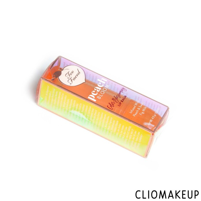 cliomakeup-recensione-balsamo-labbra-too-faced-peach-bloom-color-blossoming-lip-balm-2