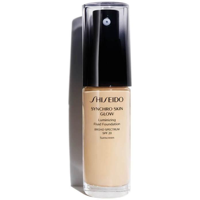 cliomakeup-fondotinta-leggeri-2021-shiseido-synchro-skin-glow