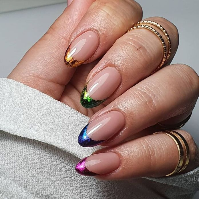 cliomakeup-funky-french-manicure-metal