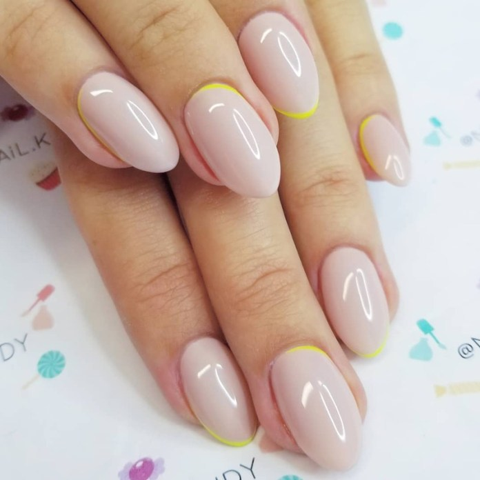 cliomakeup-funky-french-manicure-nude-accento-neon