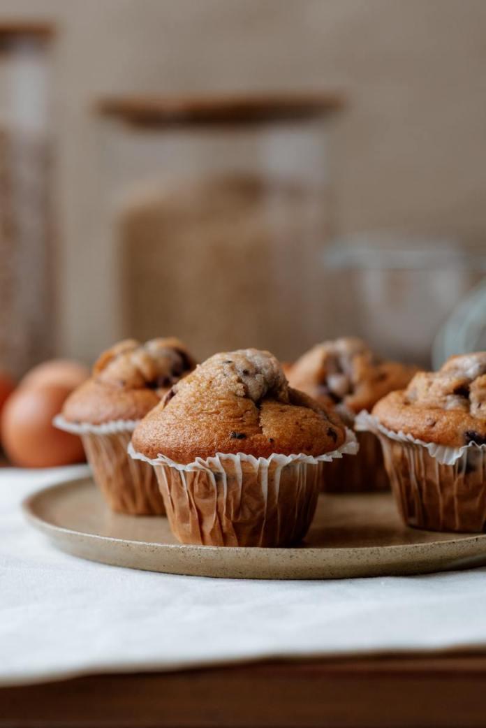 cliomakeup-ricetta-muffin-con-gocce-di-cioccolato-soffici