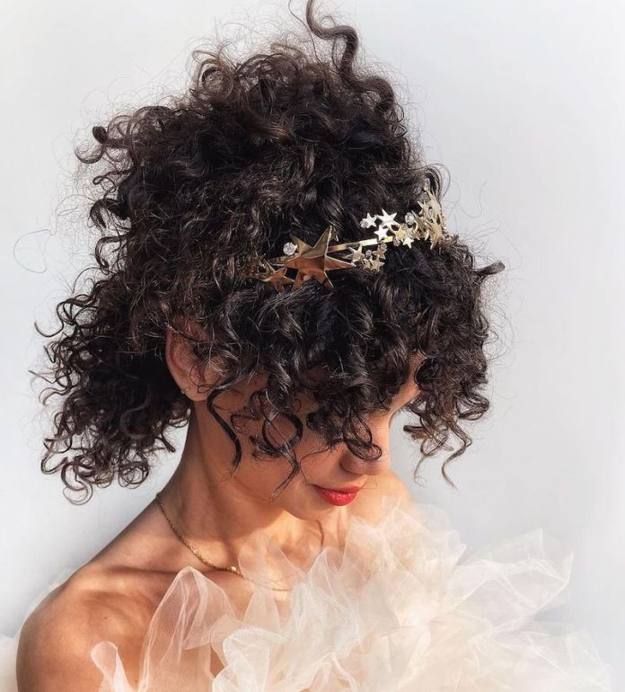 cliomakeup-hairstyles-curly-hair-2021-teamclio-13